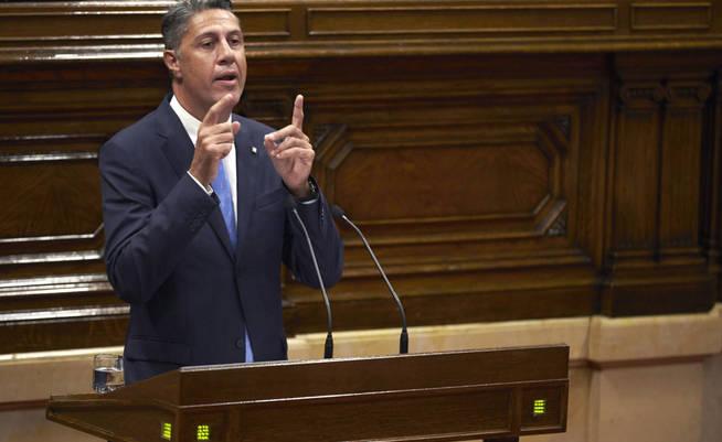 gra523-barcelona-06-09-2017-el-presidente-del-ppc-xavier-garcia-albiol-defiende-la-posicion-de-su-grupo-ante-la-ley-del-referendum-esta-tarde-en-el-parlament-efe-alejandro-garcia