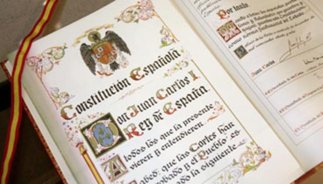 ejemplar-original-constitucion-espanola-1978-que-expone-eurocamara-bruselas-1270615204793